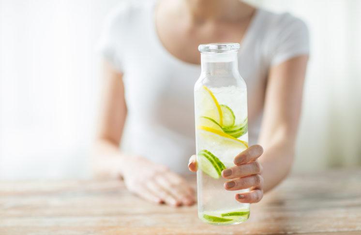 Pijesz wodę z cytryną? Świetny pomysł!