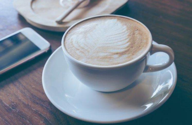 Kawa z ekspresu nie musi być nudna, sprawdź przepisy na kawę!
