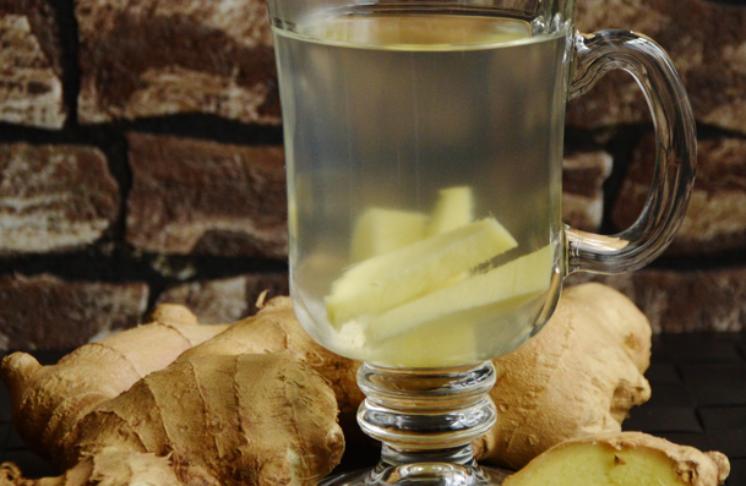 Woda z imbirem – właściwości zdrowotne i odchudzające