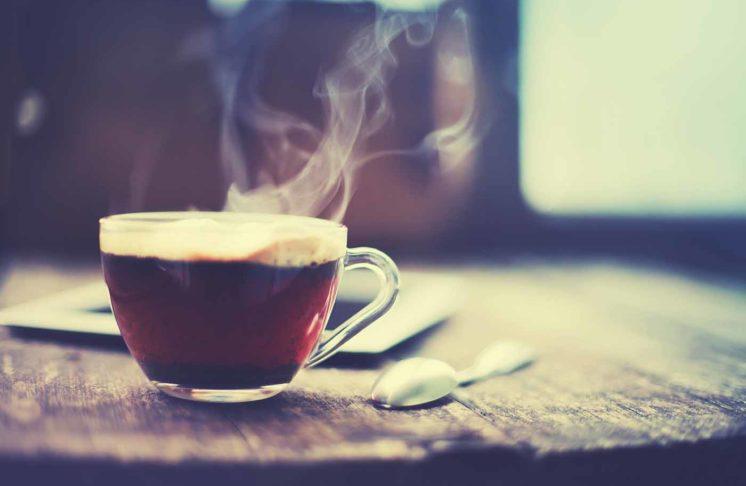Kawa i herbata-jaką temperaturą wody należy je zalewać?
