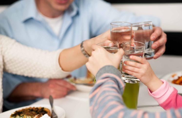 Jesteś tym co… pijesz. Czyli co powinna zawierać najlepsza woda mineralna?