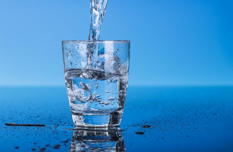 Dieta wodna – na czym polega, kto może ją stosować?