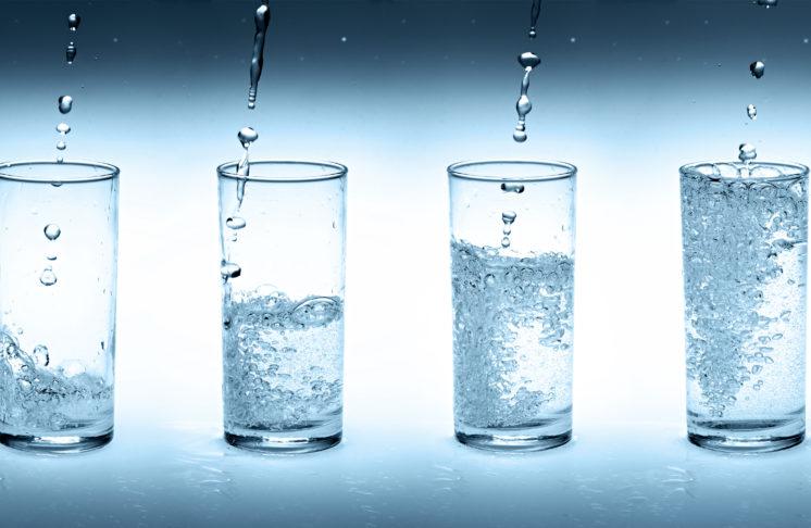 Jak picie wody wpływa na Twój organizm?