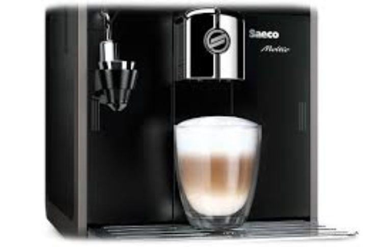 Ciśnieniowy ekspres do kawy – czym różni się od zwykłego ekspresu?