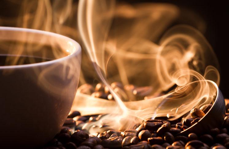 Jaka kawa jest zdrowsza? Biała czy czarna?
