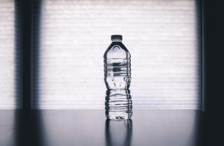 Czy butelki plastikowe są dobre dla naszego zdrowia?
