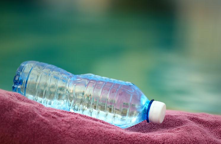 Butelki PET i ich szkodliwe działanie na środowisko