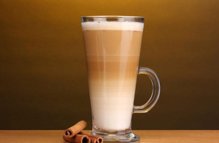 Kawa latte – jak ją zrobić?